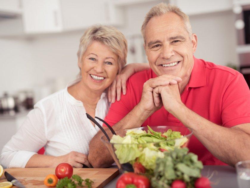 Насколько важно правильное питание для пожилых людей?